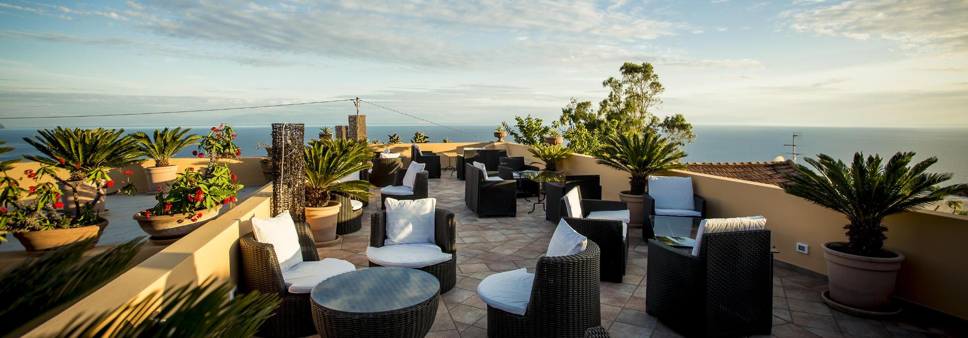 al belvedere salina nelle eolie boutique hotel vista mare